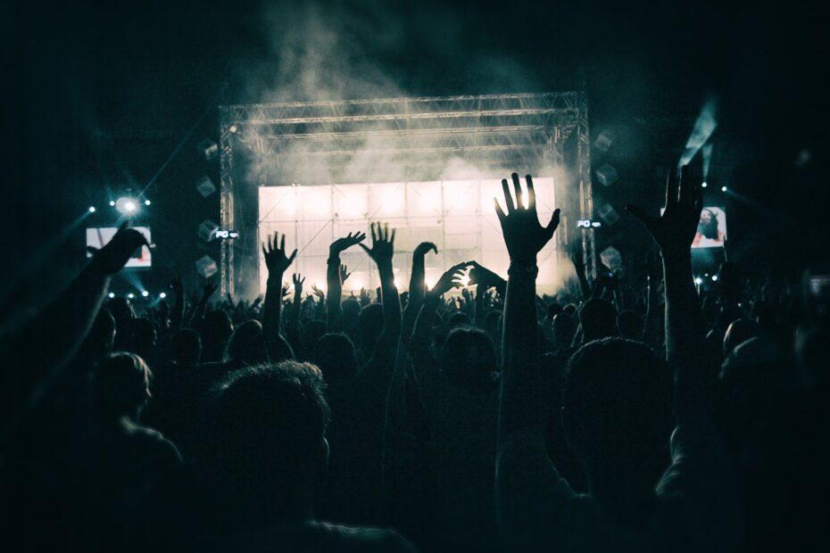 Konzert (Pixabay License Freie kommerzielle Nutzung Kein Bildnachweis nötig)