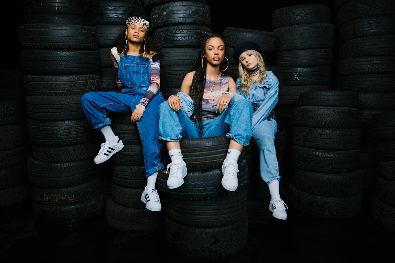 Esther Graf, Yael und Layla (Foto: Adidas / About You)